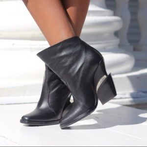Theyskens Theory Black Leather Tiered-heeled Boots